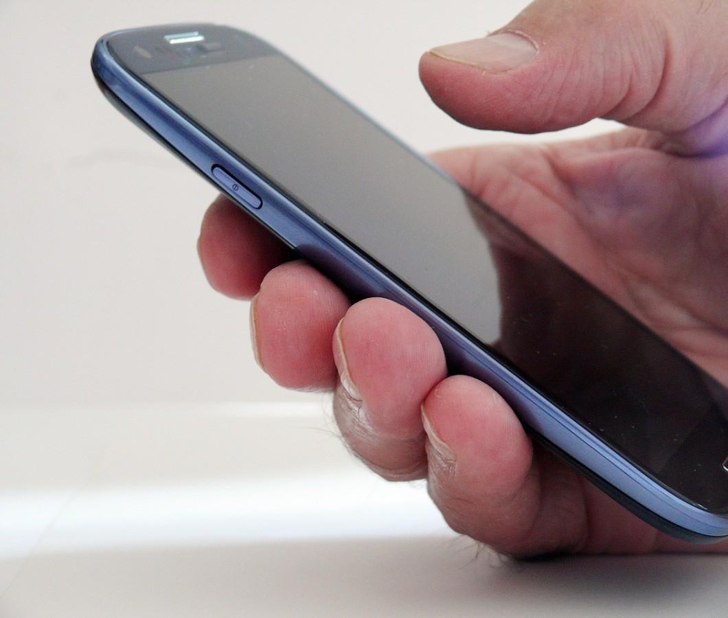 Seniorenhandy oder Smartphone für Senioren