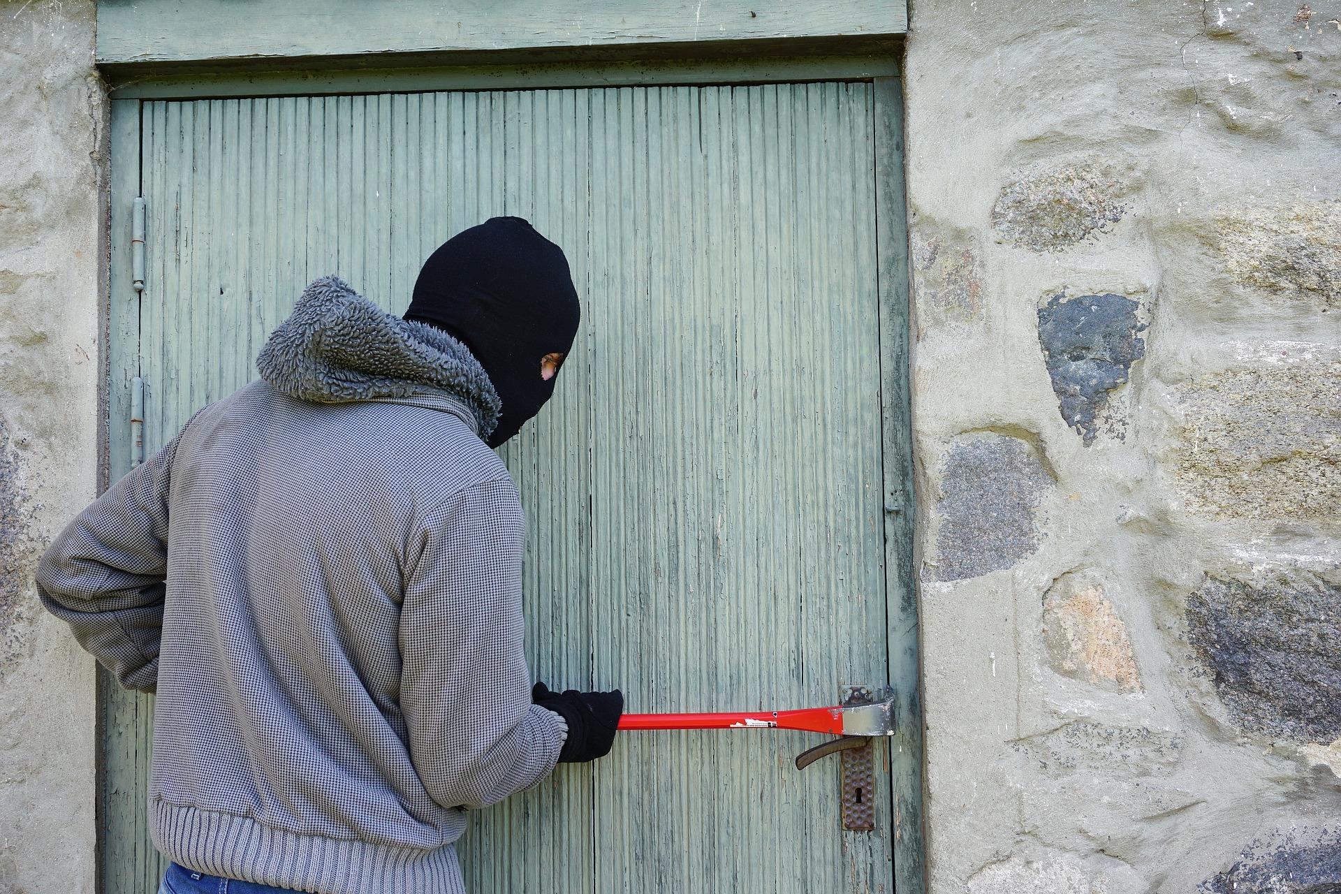 Wie Sie Ihre Wohnung sicherer machen und Einbrecher abschrecken können
